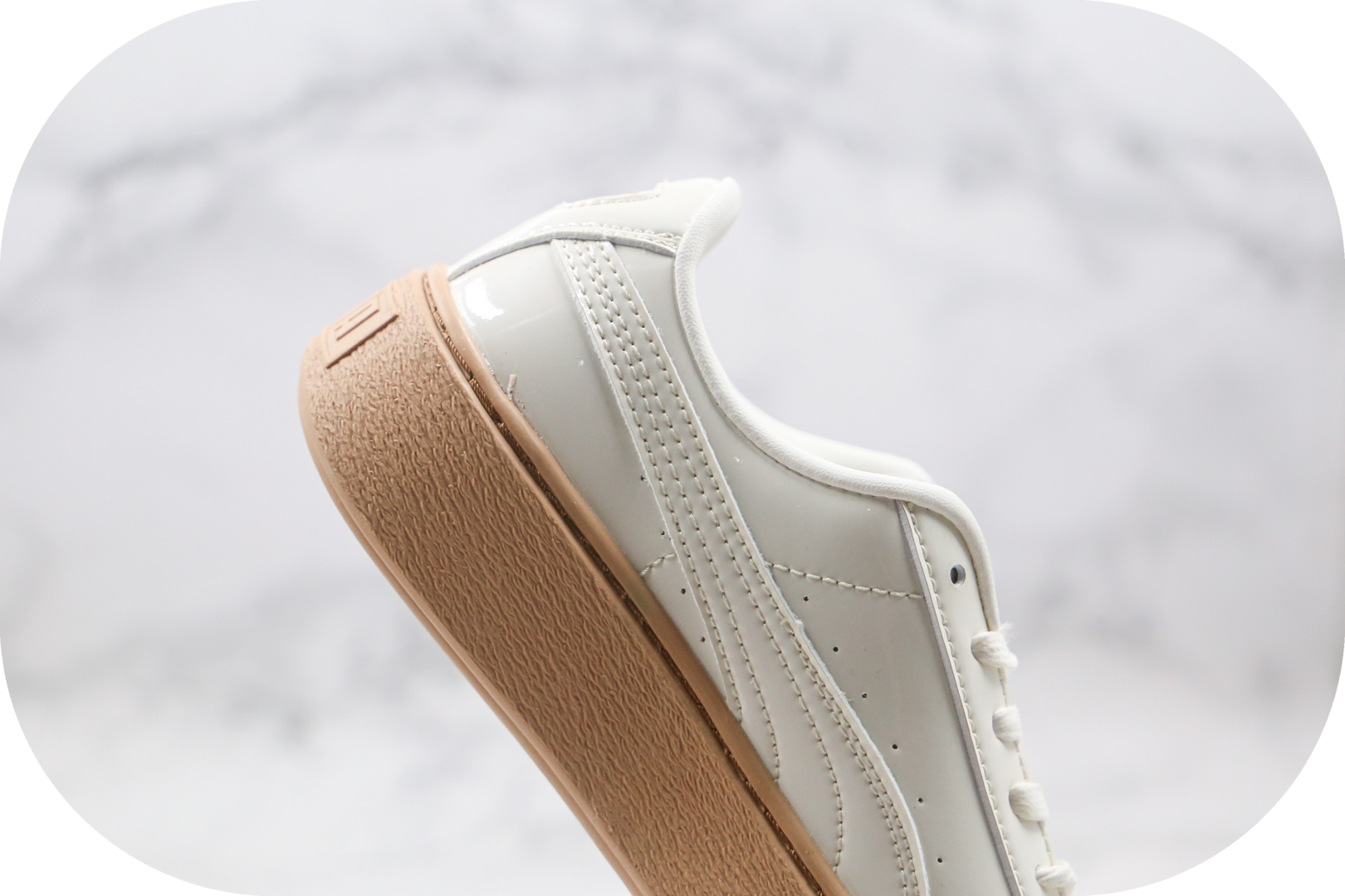 彪马PUMA Basket Platform纯原版本蕾哈娜二代米白漆皮板鞋原盒原标原鞋开模一比一打造