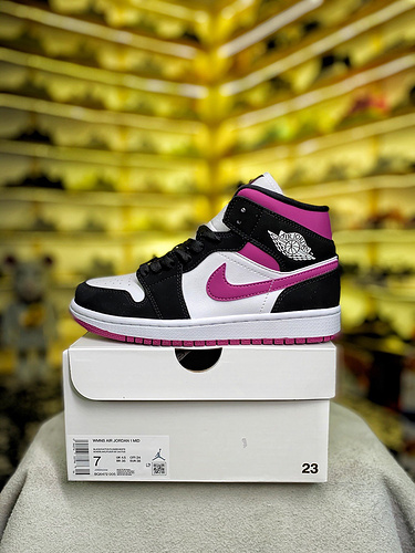 货号:BQ6472-00AJ1Mid中帮 黑红女款 紫葡萄