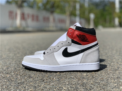 "Air Jordan 1 High OG ""Light Smoke Grey"" 烟灰黑红配色 555088-126_东莞哪里有aj专卖店地址"