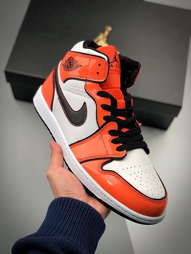 S2中帮系列 Air Jordan 1 Mid 黑橙漆皮 二次 小扣碎 白橙 货号:DD6834-802 黑色线条勾勒_假鞋五个等级
