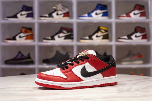 H12版_DUNK 芝加哥 NK SB Dunk Chicago ,货号_BQ6817-600_椰子h12版本好吗