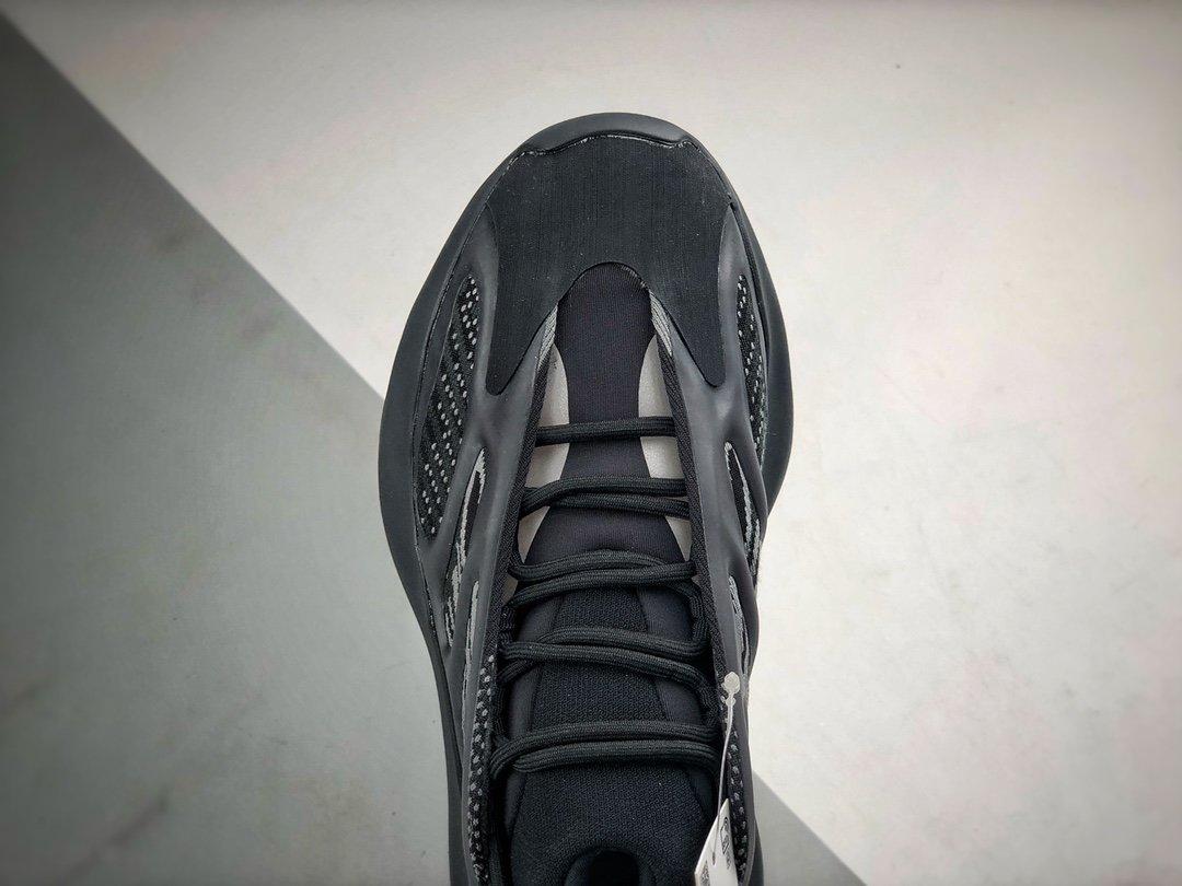 YEEZY 700 V3 '异形Azael' 黑_莆田鞋顶级版本在哪里可以买到