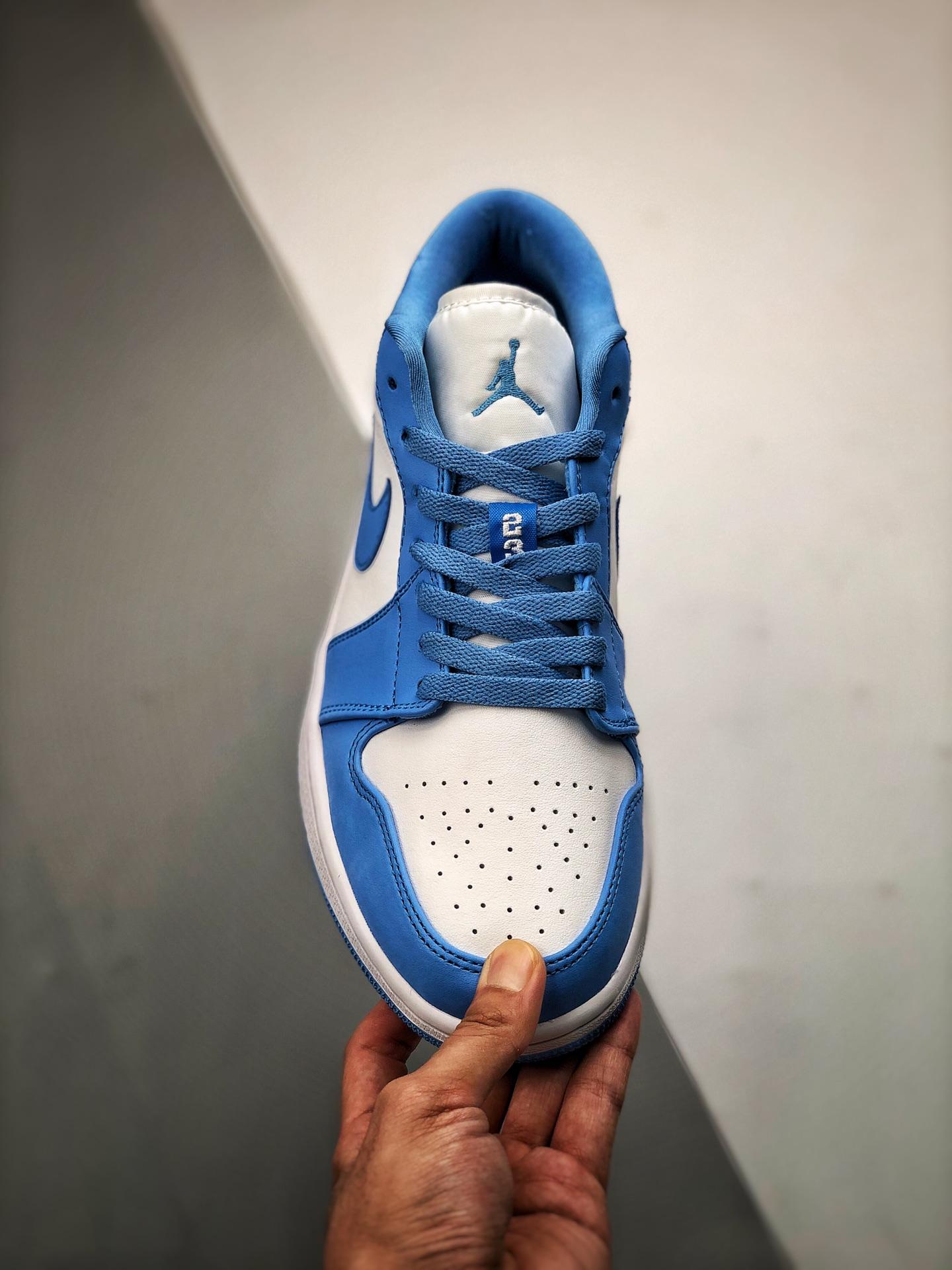 "S2低帮low系列 AJ1 北卡蓝 浅蓝色 货号:AO9944-441 Air Jordan 1 Low ""UNC""北卡蓝 鞋带位置带有 23 标扣,白底蓝色刺绣_莆田鞋OG版本是最好的么"