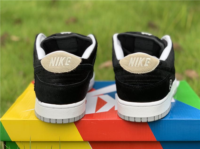Medicom Toy x Nike SB Dunk Low BE @ RBRICK, 货号:CZ5127-001_广州xh55买aj规矩
