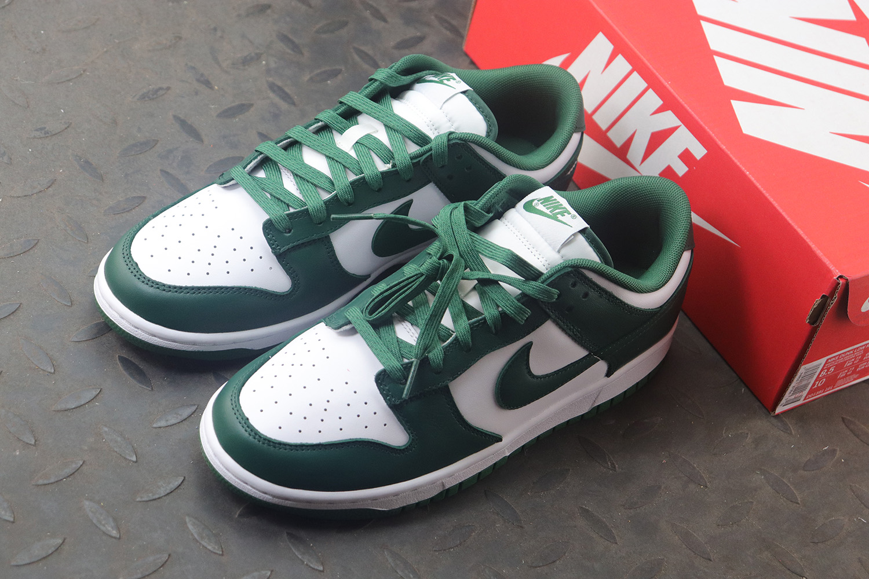 "白绿 NIKE DUNK LOW Retro ""Varsity Green"" 货号:DH1391-101_老汪椰子拼图"