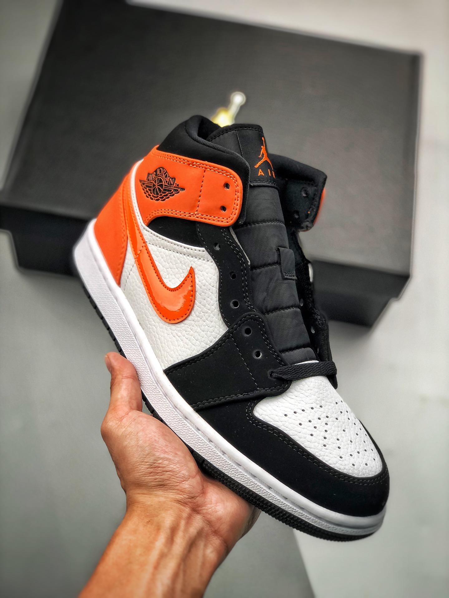 """S2中帮系列 Air Jordan 1 Mid """"Shattered Backboard"""" 万物皆可""""扣碎篮板"""" AJ1乔丹一代中帮球鞋 黑白橙扣碎篮板配色 554724-058_"""