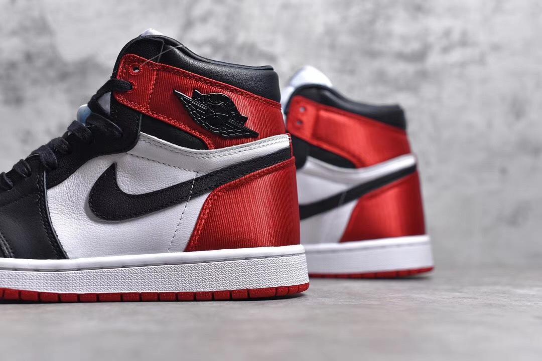 """PK版_AJ1 丝绸黑脚趾 Air Jordan 1 Satin """"Black Toe"""",货号_CD0461-016_工厂pk是什么职位"""