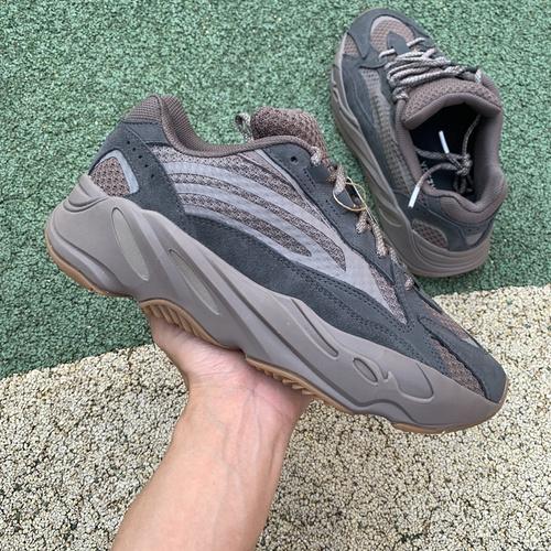 特供版_LJR出品_Yeezy Boost 700 V2棕褐色 大地椰子跑步鞋GZ0724_莆田系ljr