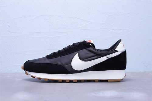 "CK2351-001 公司级 新版本 正确红盒 Nike Daybreak SP 华夫复古休闲慢跑鞋""黑白生胶""男女鞋36-46"