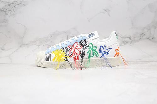 贝壳头 刺绣毛边 五彩花朵 流苏 花卉 小花 货号:FZ4724 Sean Wotherspoon x adidas Originals 你的贝壳鞋开花啦 O11