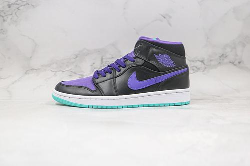 乔丹 中帮 AJ1 黑紫色 蓝色底 货号:554724 015 Air Jordan 1 Mid 黑紫 AJ1乔1中邦休闲板鞋 同步官方配色  D25