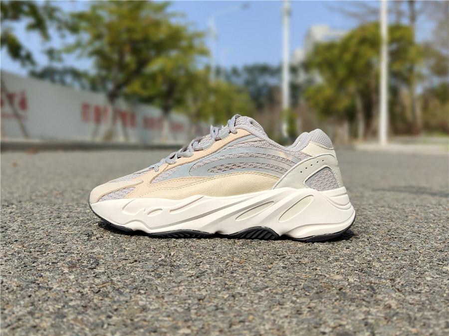 "adidas Yeezy Boost 700 V2 ""Cream""  货号:GY7924_莆田跟东莞aj分几个档次"