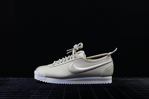 Nike Cortez '72 SI 复刻皮质休闲运动板鞋 881205-101