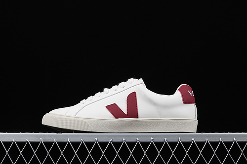 Veja Leather Extra Sneakers 法国国民V字经典小白鞋 EA2001