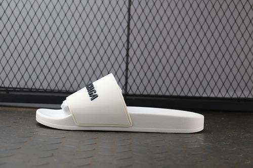 巴黎拖鞋白