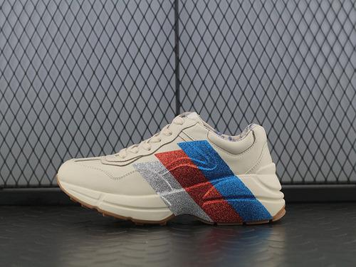 "Guci Rhyton Vintage Trainer Sneaker 皮革角状复古慢跑鞋""象牙白三切蓝红银""523535 DRW00 1001"