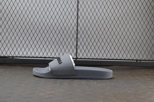 巴黎拖鞋灰色