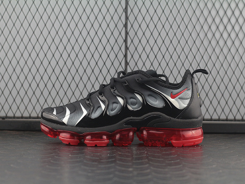 "Air Vapormax Plus TM蒸汽大气垫慢跑鞋""黑红灰白""AQ8632-001"