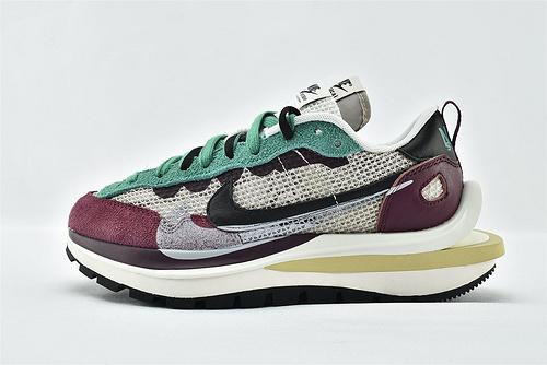 Nike VaporWaffle x Sacai 联名款 华夫3.0跑鞋/酒红绿 拼色  版  货号:DD3035-200  男女鞋  情侣款