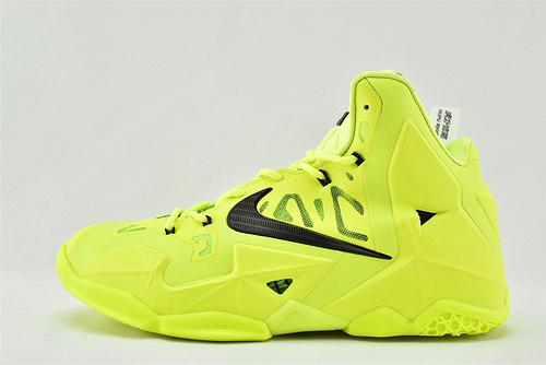 Nike Zoom Lebron  詹姆斯11代高帮篮球鞋/荧光绿  货号:616175-302  男鞋