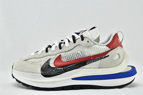 Nike VaporWaffle x Sacai 联名款 华夫3.0跑鞋/浅灰白 黑红蓝拼色  货号:CV1363-100  男女鞋  情侣款