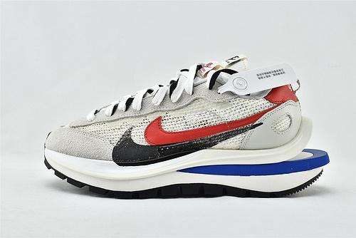 Nike VaporWaffle x Sacai 联名款 华夫3.0跑鞋/浅灰白 黑红蓝拼色  版  货号:CV1363-100  男女鞋  情侣款