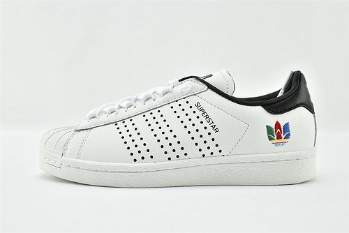 Adidas 三叶草 Superstar 贝壳头板鞋/白黑 刺绣 全头层   货号:FW5388  男女鞋  情侣款