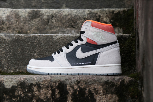 """乔丹/Air Jordan 【真标裁片级】aj1 AJ1 乔丹1代 乔丹1 乔1 Air Jordan 1 """"Neutral Grey""""货号:555088-018 乔1灰白粉限定 36-46"""