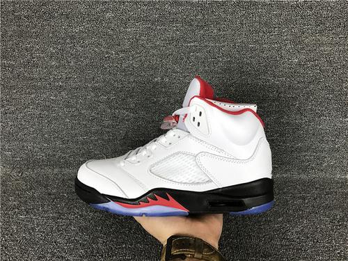 乔丹/Air Jordan aj5 AJ5 乔丹5代 乔5 乔丹5 高帮系列 篮球鞋 男鞋 头层 Air Jordan 5 货号:136027-100 乔5流川枫 乔5高帮火焰红 乔5火焰红 40.-