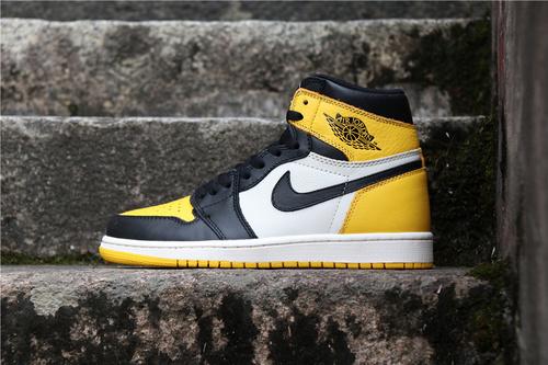 """乔丹/Air Jordan【真标裁片级】aj1 AJ1乔丹1代 Air Jordan 1 Retro High OG """"Yellow Toe""""货号:AR1020-700 乔1新黑黄脚趾 40-47"""