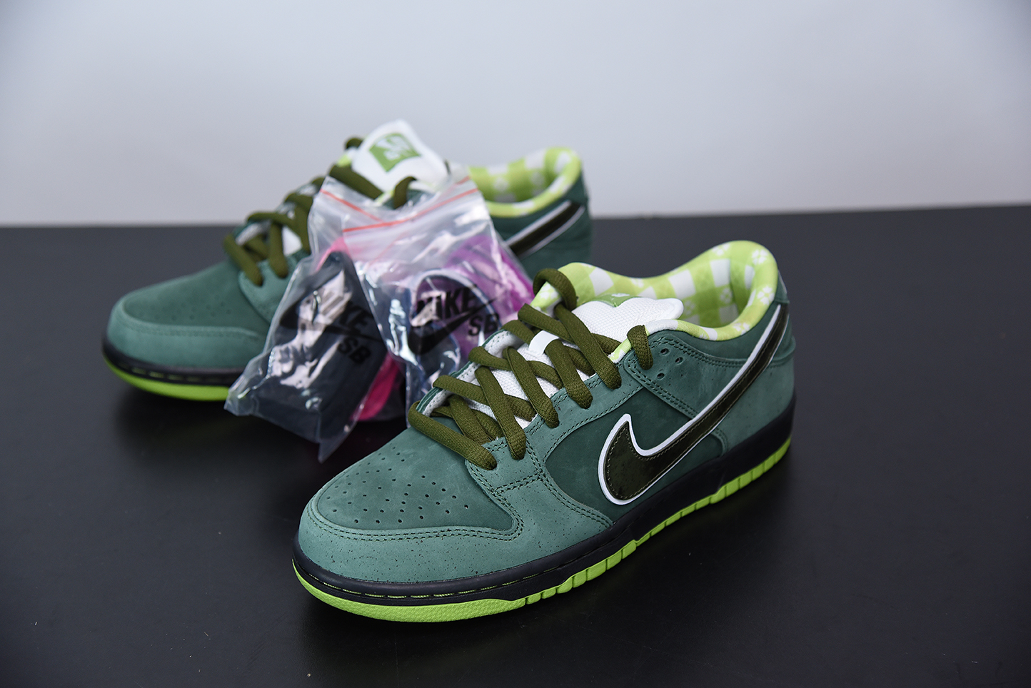 I02C6 Concepts x NK SB Dunk Low 绿龙虾 货号:BV1310-337 尺码:40-47.5