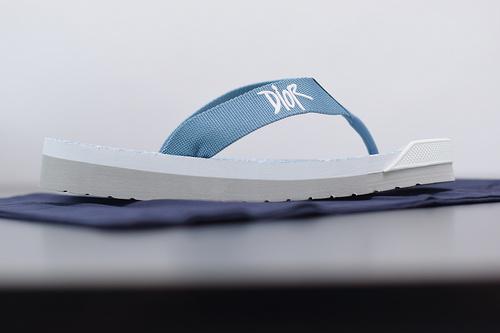"""高奢品牌敌奥Flip-Flops Logo Shower Sandals""""Oblique""""阿尔法系列山系运动休闲尼龙人字拖鞋""""黑白涂鸦印花底""""39-45"""