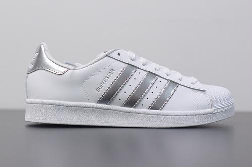 W03S3 Adidas Originals Superstar J 贝壳头小白鞋AQ3091 白银 36-44