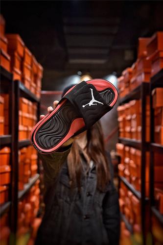 Jordan Hydro XI retro 乔丹5代系列拖鞋 匠心品质原鞋1:1开模 3层贴合大底 海玻璃缓震鞋垫 底采用进口一次MD原料成型 冲孔黑红白飞人配色