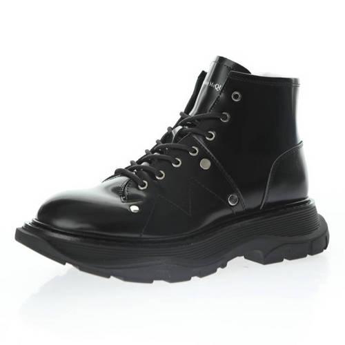 Alexander McQuee Round Toe Sole Leather Boots 亮皮黑银铆钉 595469 WHQS G1081
