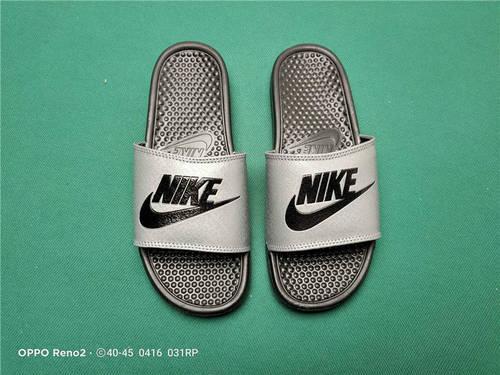 Nike Benassi JDI Slide 十年东莞专业拖鞋鞋厂出品 一体式橡塑材料与织物绑带增加衬垫设计 镭射激光打标 专柜品质 灰黑底黑勾配色