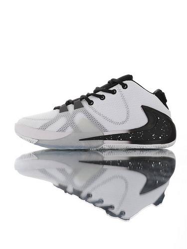 Nike Zoom Freak 1 扬尼斯·安特托昆博签名款 字母哥一代系列 后掌真双层Zoom气垫 内靴锁定系统#独特抓地纹路大底 气垫低帮运动篮球鞋 白灰黑喷墨大倒钩配色