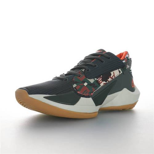 Nike Zoom Freak 2 陆军迷彩主题 NBA球星扬尼斯·安特托昆博 字母哥战靴 二代字母哥签名低帮休闲运动篮球鞋 军绿数字迷彩橘黄配色 CD9853-300