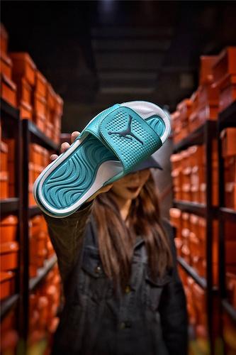 Jordan Hydro XI retro 乔丹5代系列拖鞋 匠心品质原鞋1:1开模 3层贴合大底 海玻璃缓震鞋垫 底采用进口一次MD原料成型 冲孔薄荷蓝白飞人配色