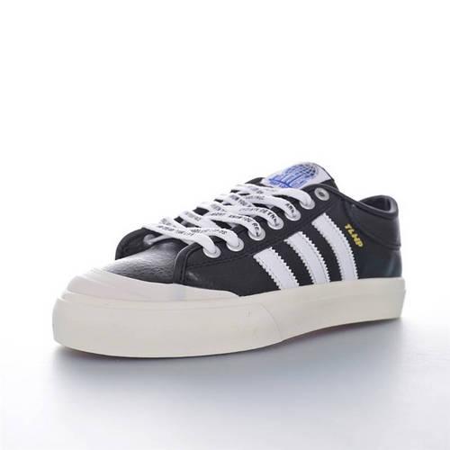A$AP Ferg x Adidas Originals Matchcourt Low 说唱歌手联名 半截式包胶鞋头校园低帮休闲运动板滑板鞋 皮革黑白金配色 CG5614