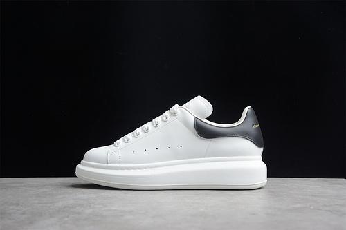 版本 礼盒装 Alexander McQueen/亚历山大麦昆 松糕鞋厚底增高小白鞋 黑牛皮尾 553700
