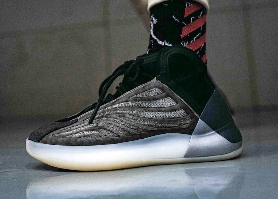 """adidas Yeezy Quantum"""" Barium""""的现场照片--椰子og价"""